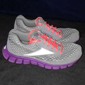 Reebok SmoothFlex Womens Size 7.5 Running Shoes